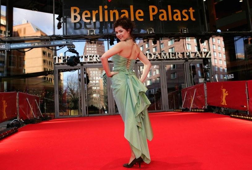 Stylizacja Katarzyny Cichopek podczas festiwlu w Berlinie /Majewski /AKPA