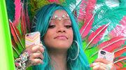 Stylizacja Rihanny na Barbadosie: fantazja w karnawałowym stylu
