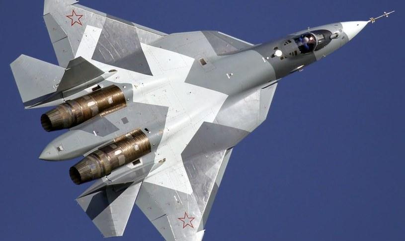 SU-57 - prezentacja na targach lotniczych w 2011 roku. Fot. Dmitrij Zherdin /Wikipedia