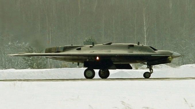 SU-70 Okhotnik - nowy rosyjski dron /Wikipedia