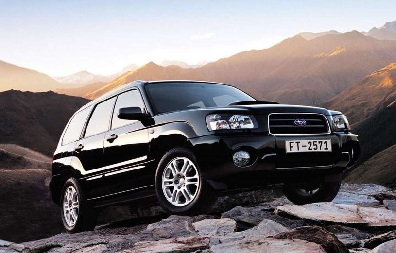 Subaru Forester z 2004 roku /