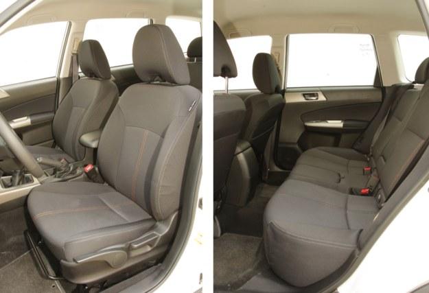 SUBARU Fotele Forestera mają nieco lepsze podparcie boczne niż siedzenia w CX-7. W drugim rzędzie Subaru można się poczuć swobodnie. Jest tu mnóstwo miejsca w każdym kierunku. /Motor