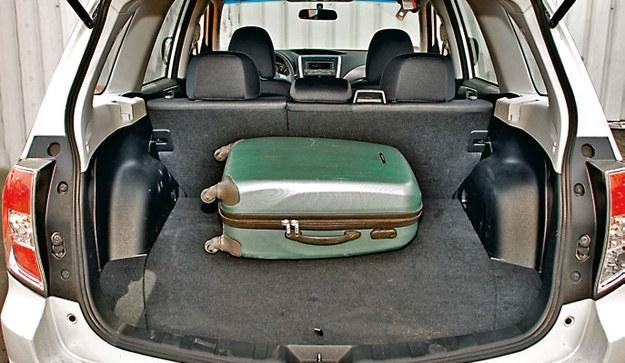 SUBARU Tradycyjnie w Subaru bagażnik nie należy do największych – ma pojemność 450 l. /Motor