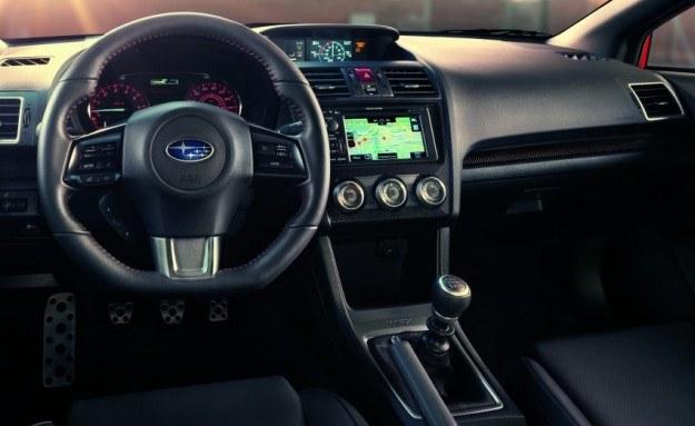 Subaru WRX - deska rozdzielcza /Subaru