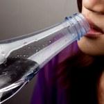 Suchość w ustach (kserostomia): Przyczyny, objawy, leczenie