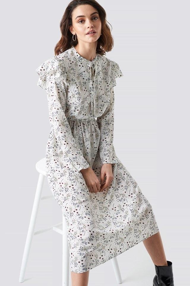 Sukienka na imprezę /materiał zewnętrzny