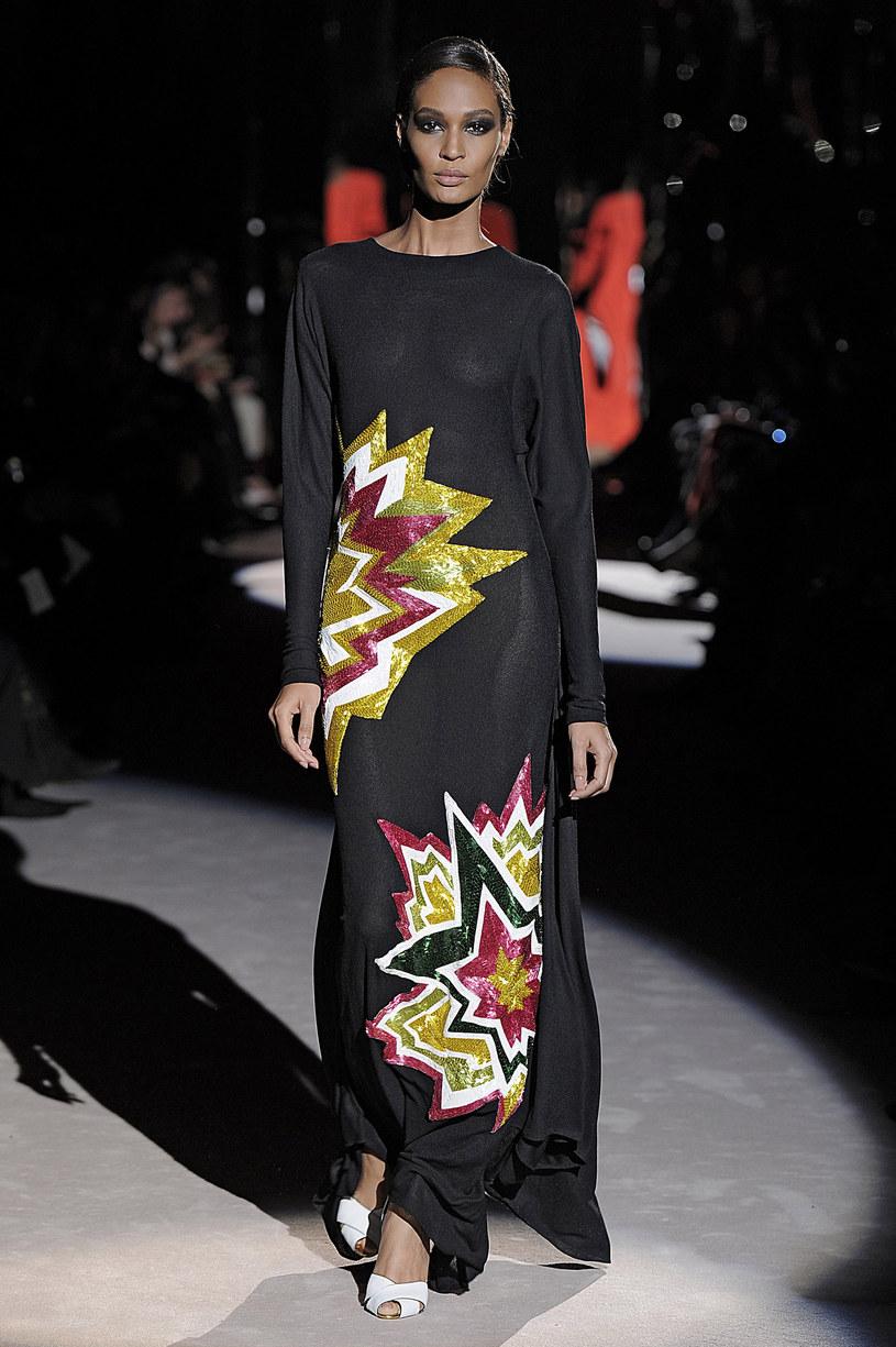 Sukienka z pokazu Toma Forda na zimę 2013 /Twój Styl