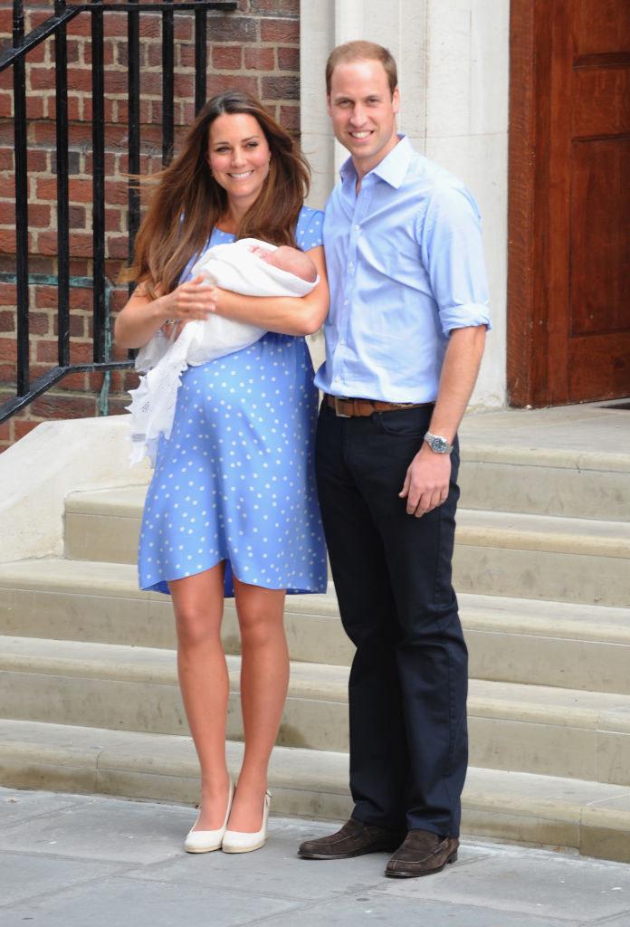 Sukienki w kropki to jeden z motywów, które royalsi uwielbiają / Scott Heavey / Staff /East News