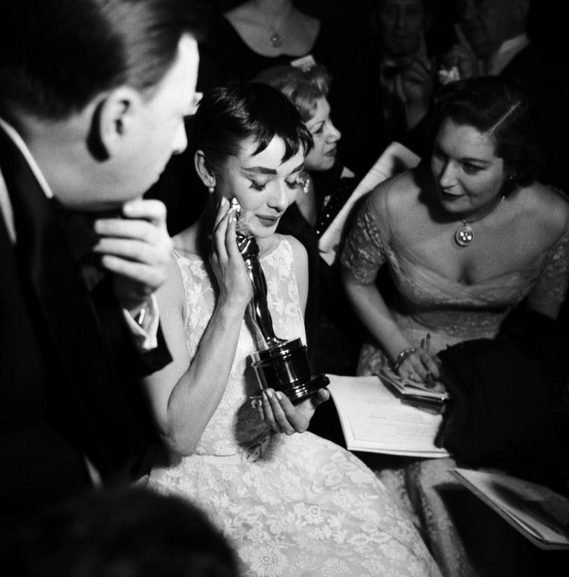 Suknię Audreu Hepburn zaprojektował Hubert de Givenchy /Getty Images