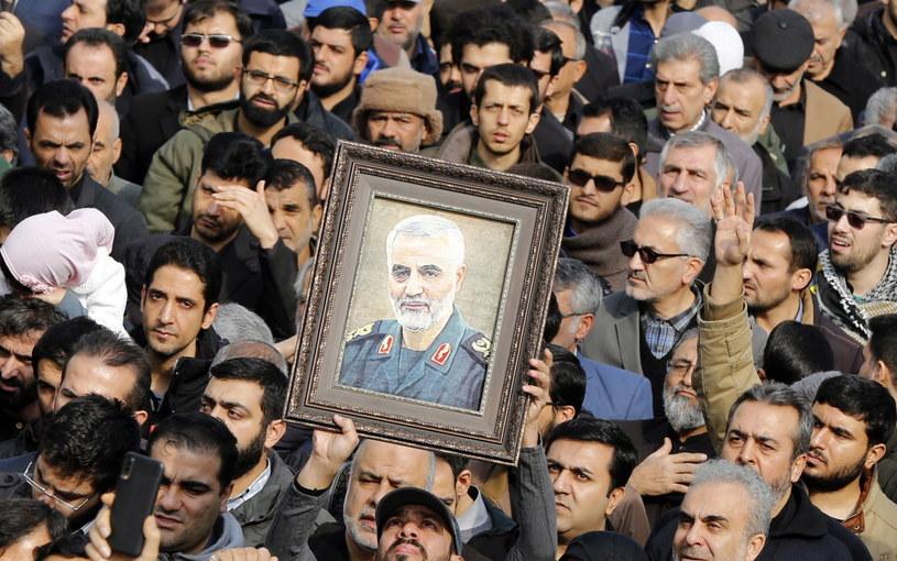 Sulejmani, dowódca elitarnych sił Al-Kuds został w czwartek późnym wieczorem zabity w Bagdadzie w ostrzale rakietowym sił USA. /PAP/EPA
