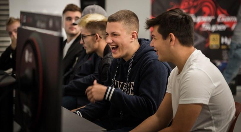 SUPER GAME e-sport - fot. NW StudYo /Michał Jaworski /materiały źródłowe
