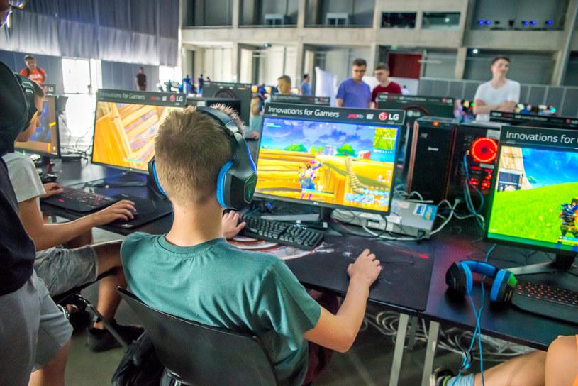 SUPER GAME e-sport /materiały źródłowe