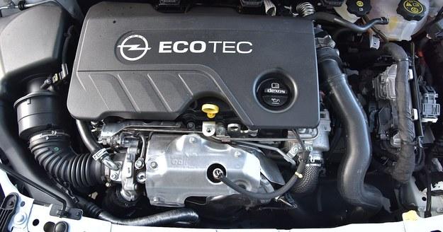 Superoszczędny silnik zapewnia Astrze bardzo dobre osiągi, ale nie brzmi najlepiej. /Motor
