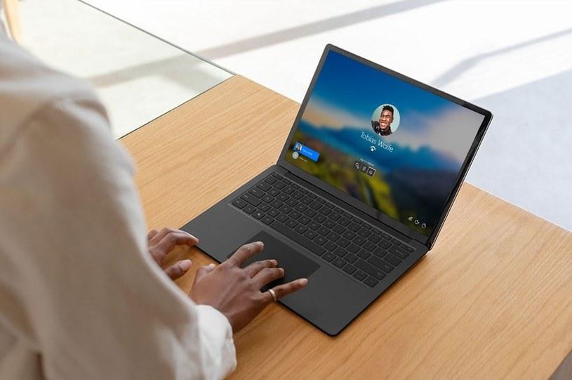 Surface Laptop pozwala na komfortową pracę z każdego miejsca na świecie /materiały promocyjne