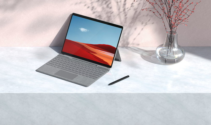Surface Pro X /materiały prasowe