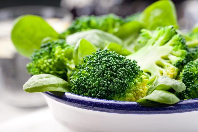 Surowe brokuły dobrze wpływają na trzustkę /123RF/PICSEL