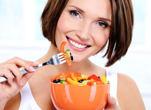 Surowe warzywa mają więcej witamin /123RF/PICSEL