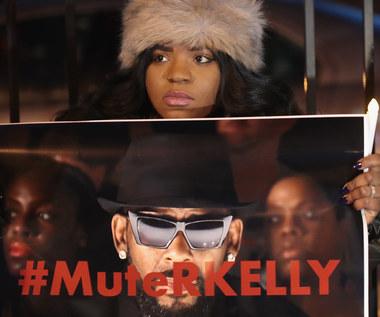 """""""Surviving R. Kelly"""": R. Kelly w końcu się doigrał. Tylko dlaczego tak późno?"""