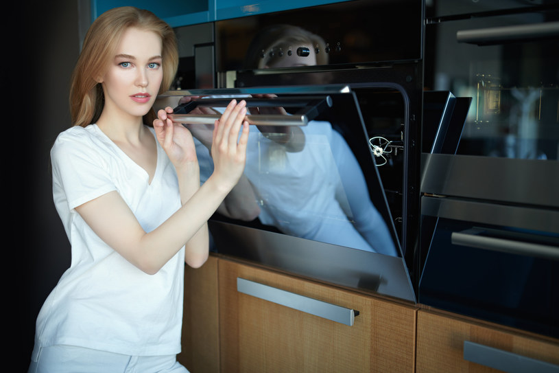 Suszenie ubrań w piekarniku trwa tylko pięć minut /123RF/PICSEL