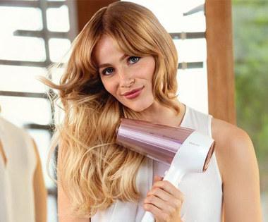 Suszenie włosów wpływa na ich kondycję /materiały prasowe
