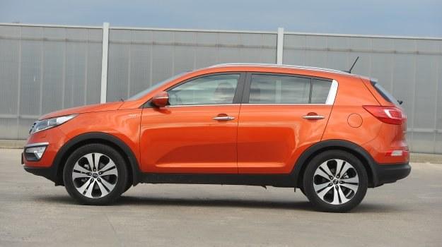 SUV-y nie zawsze mają napęd 4x4. Przykład? Ponad 70 proc. kupujących Kię Sportage wybiera wersję z napędem na przednie koła. /Motor