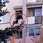 Suwałki: Wnuczek wypchnął z balkonu 78-letnią babcię. Nie pójdzie do więzienia