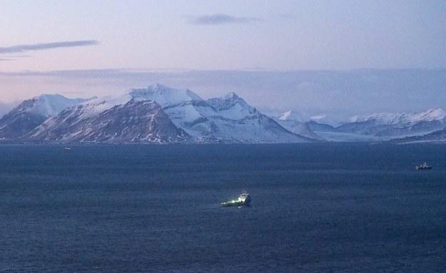 Svalbard: Poszukiwania rosyjskiego Mi-8 /Natalya Dmitrak /PAP/EPA