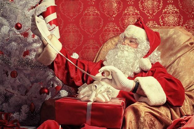 Św. Mikołaj - uśmiechnięty, z białą brodą i obowiązkowo lekko zaokrąglonym brzuchem /© Panthermedia