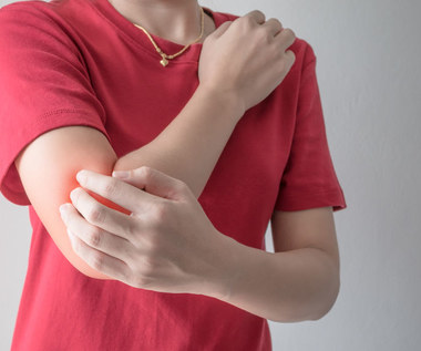 Świąd skóry: Kiedy należy zgłosić się do lekarza?