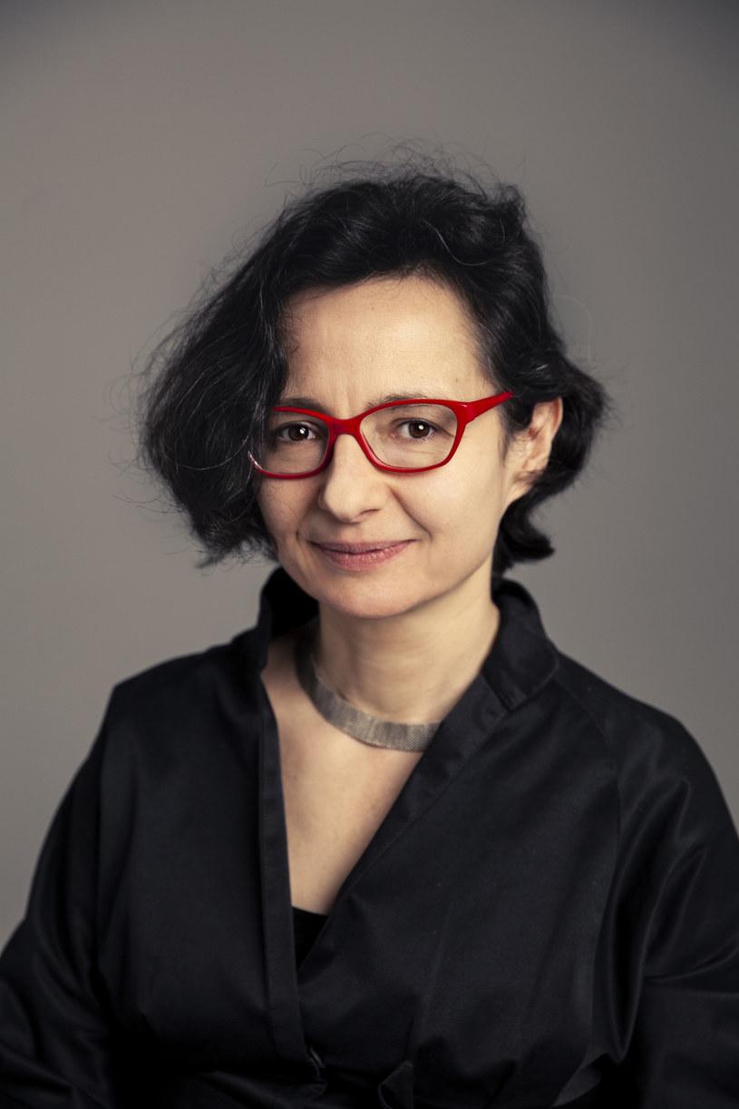 """""""Świat bez kobiet"""" Agnieszki Graff dwadzieścia lat po premierze ukazuje się w nowym, poszerzonym wydaniu /Emilia Oksentowicz /materiały prasowe"""