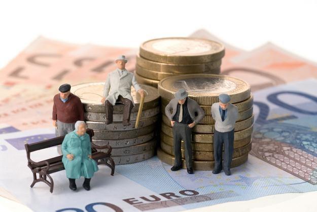 Świat się starzeje i coraz gwałtowniej poszukuje pieniędzy na emerytury /© Panthermedia