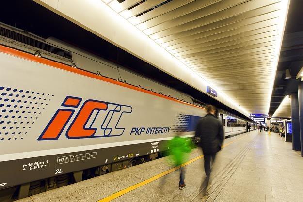 Świąteczne podróże z PKP Intercity... /Informacja prasowa