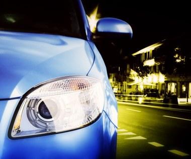 Światła samochodowe: Których używać w danym momencie?