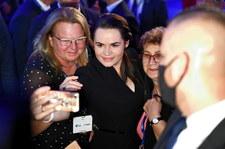 """Swiatłana Cichanouska uhonorowana na Forum Ekonomicznym. Mówiła o Białorusinach, którzy """"przezwyciężyli strach"""""""
