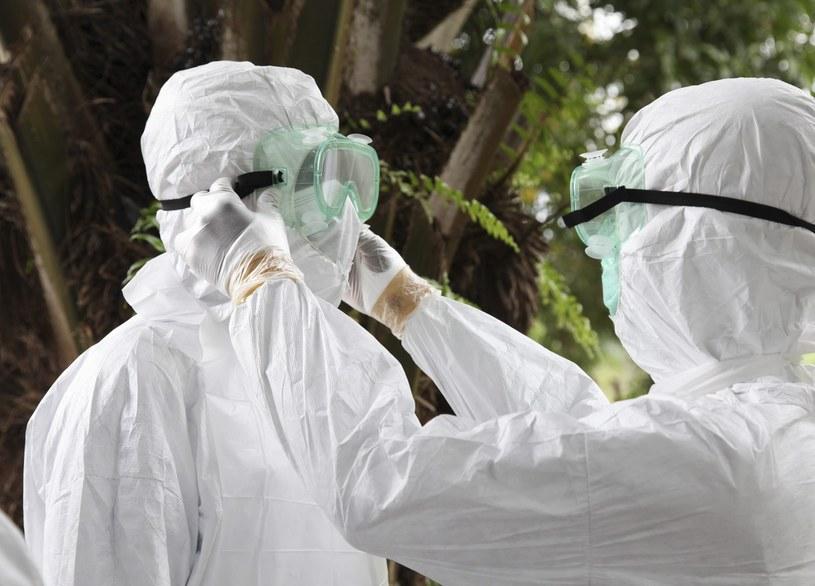 Światowa Organizacja Zdrowia (WHO) ostrzegła w piątek, że wirus Ebola stanowi zagrożenie dla zdrowia na skalę międzynarodową /PAP/EPA