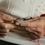 Światowy Dzień Choroby Parkinsona. Zmaga się z nią ponad 100 tys. Polaków