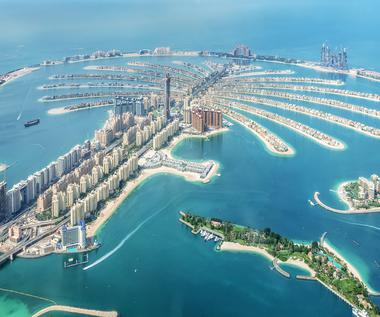 Światowy ośrodek handlu i turystyki. Pięć powodów, by odwiedzić Dubaj jesienią 2021 roku