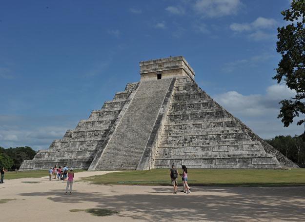 Świątynia Kukulkána, tzw. El Castillo w Chichén Itzá /AFP