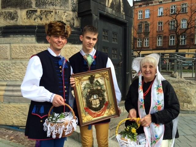 Święcenie w strojach regionalnych w Bytomiu-Rozbarku /Anna Kropaczek, RMF FM /RMF FM