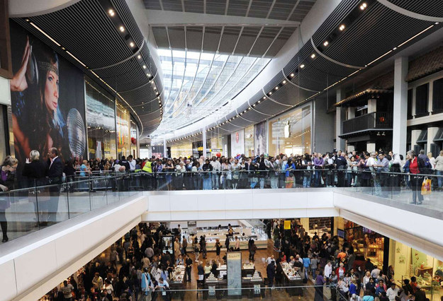 Święta dadzą 15 000 tymczasowych miejsc pracy /AFP