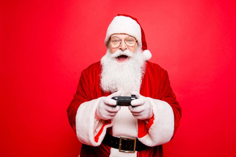 Święta to doskonały czas, by nadrobić zaległości w grach /123RF/PICSEL