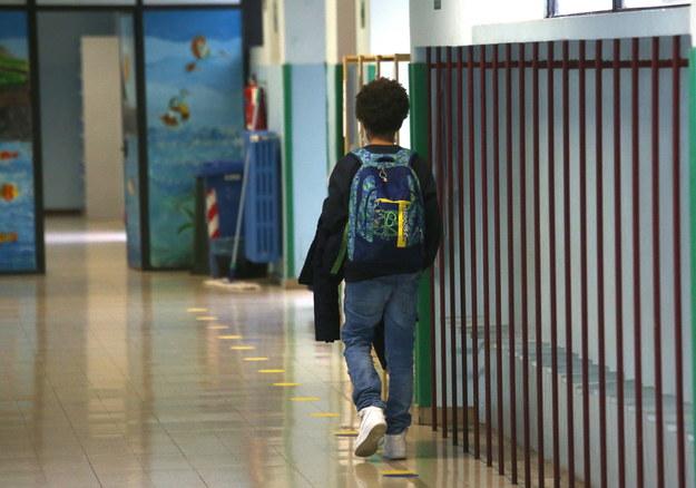 Od dziś nauka zdalna także dla najmłodszych uczniów. Szkolne świetlice otwarte dla części z nich