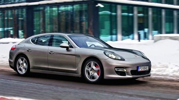 Świetne osiągi Panemry Turbo idą w parze z rozsądnym zużyciem paliwa. /Motor