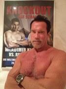 """""""Świetne ujęcie! Jeden z moich ulubionych mistrzów obok mojego zdjęcia. Odbijam piłeczkę"""" - odpisał Arnie"""