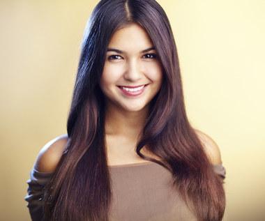 Świetny przepis, który pozwoli twoim włosom szybciej rosnąć