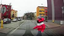 Świętokrzyskie: Policjanci poszukują chłopca, który został potrącony