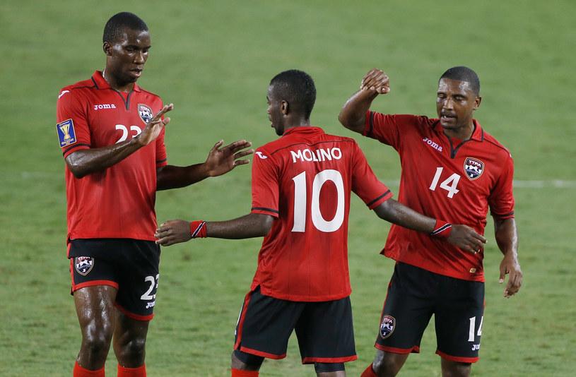 Świętujący piłkarze Trynidadu i Tobago /AFP