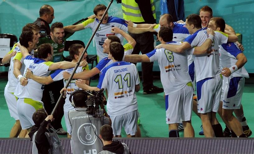 Świętujący Słoweńcy /AFP