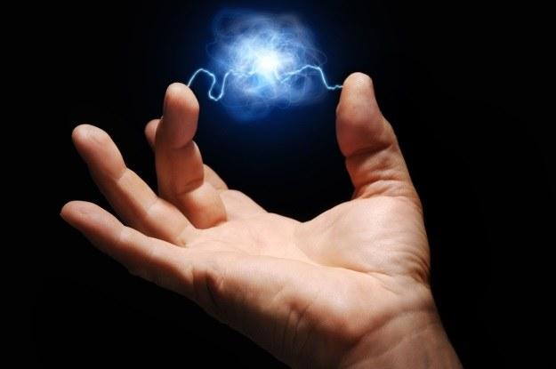 Święty Graal fizyki odkryty? Pierścienie plazmy mogą odmienić energetykę /123RF/PICSEL