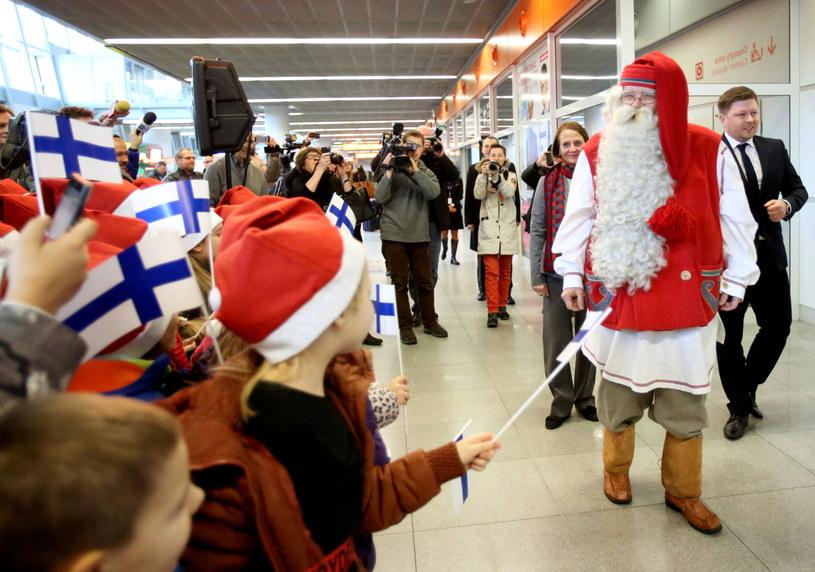 Święty Mikołaj przyleciał z Rovaniemi w Laponii /Leszek Szymański /PAP